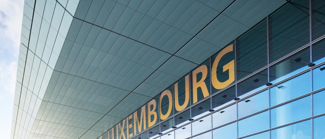 Flughafen Luxembourg - Foto von Dominik Berg - busy places